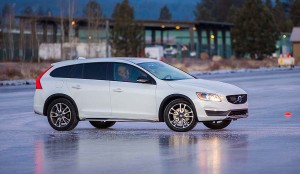 2015.5-Volvo-V60-Cross-Country Ice Driving